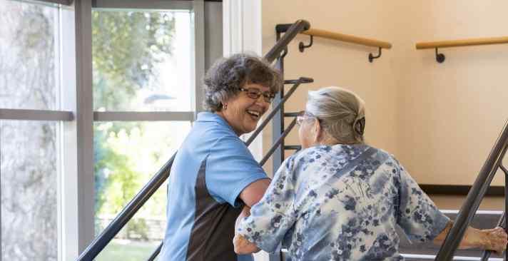 Tertianum, Geschultes Pflegefachpersonal für Senioren, individuelle Pflege im Alter